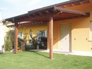 Pergole e pensiline in legno brescia edil garden for Pergola bioclimatica prezzo mq